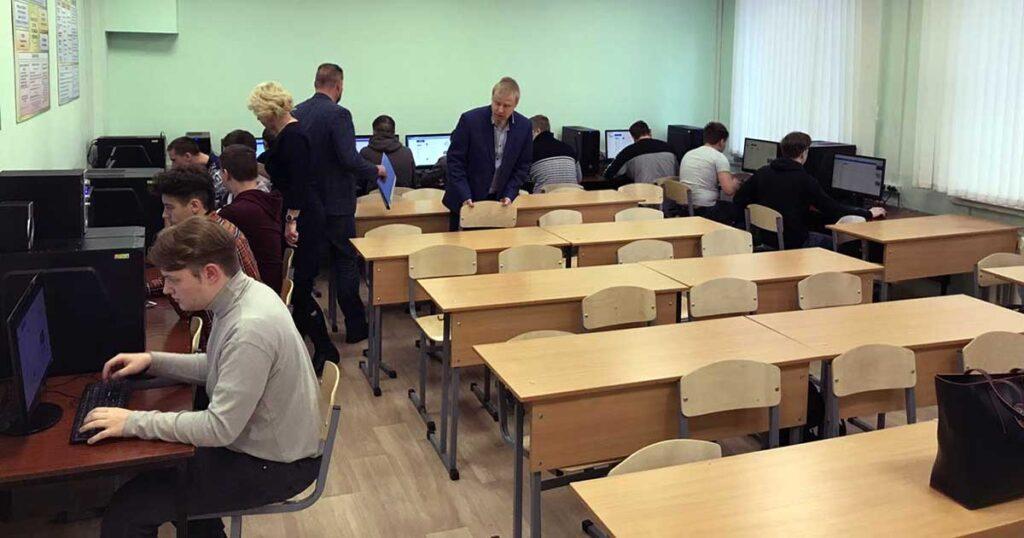 В ГБПОУМО «Одинцовском техникуме» состоялось тестирование выпускников колледжа2020 года по специальности « Автомеханик»