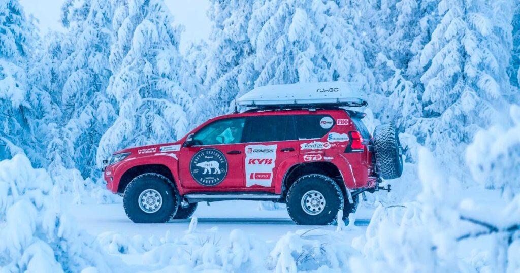 Команда известных арктических автопутешественников вновь отправляется в суровую Арктику на легендарных автомобилях TOYOTA