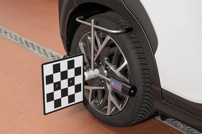 Прочные колесные зажимы для точного позиционирования на колесах от 14 до 24 дюймов