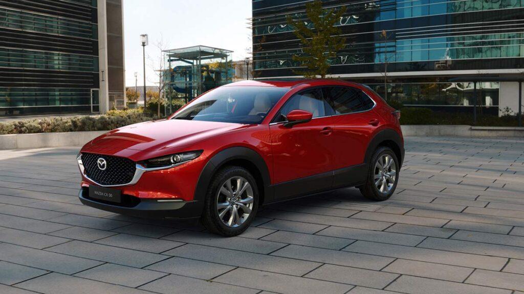 Новый компактный кроссовер Mazda CX-30В уже начал поступать в салоны российских дилеров Mazda