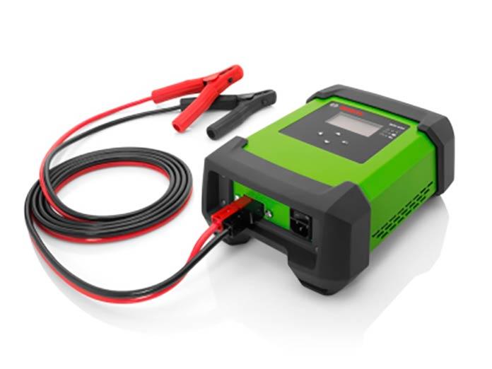 Универсальное зарядное устройство BAT 645